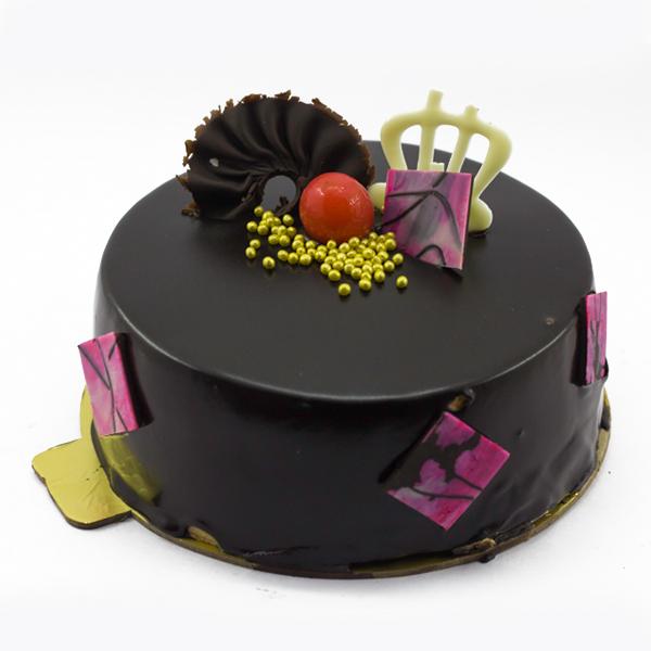 Glazing Chocolate Cake