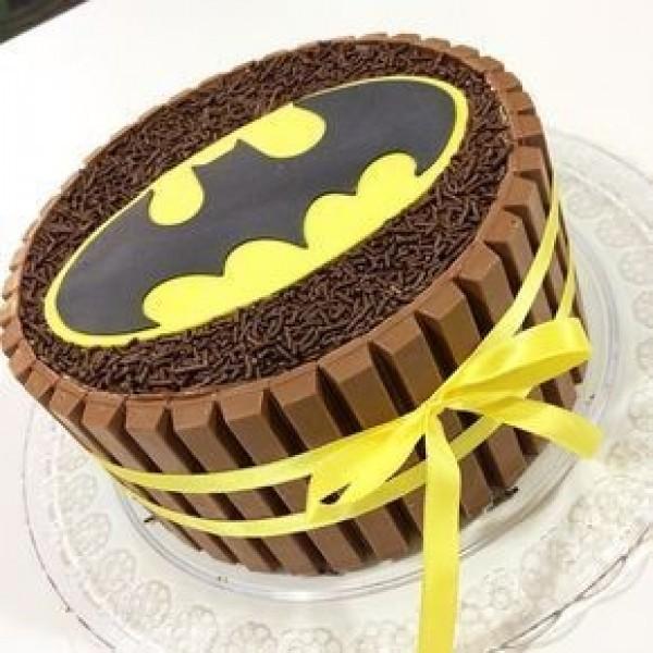 Batman Kitkat Cake ( 1 KG )