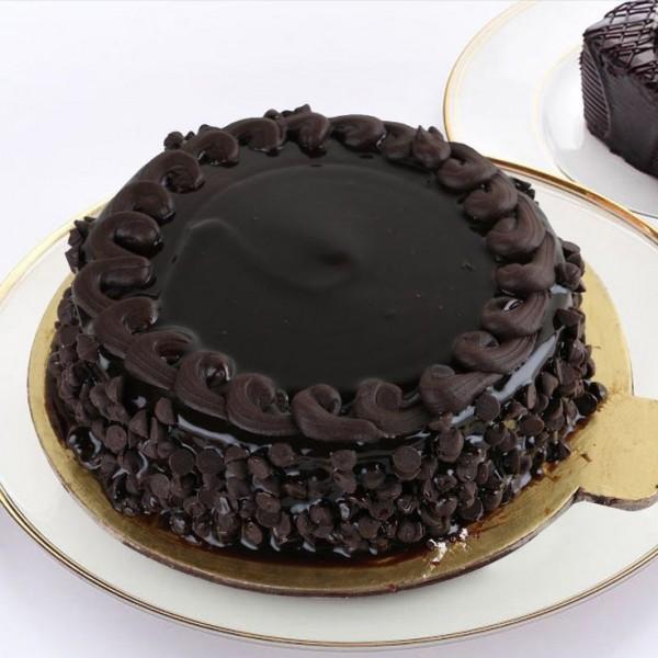 Truffle Chocochip Cake
