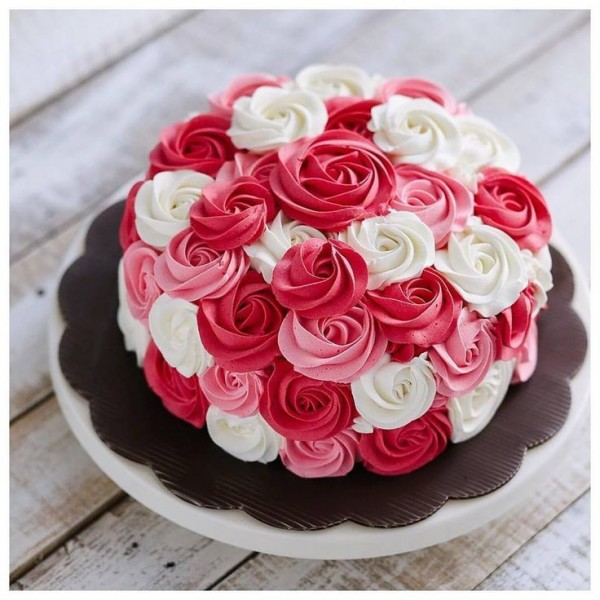 Flowery Strawberry - Vanilla Cake